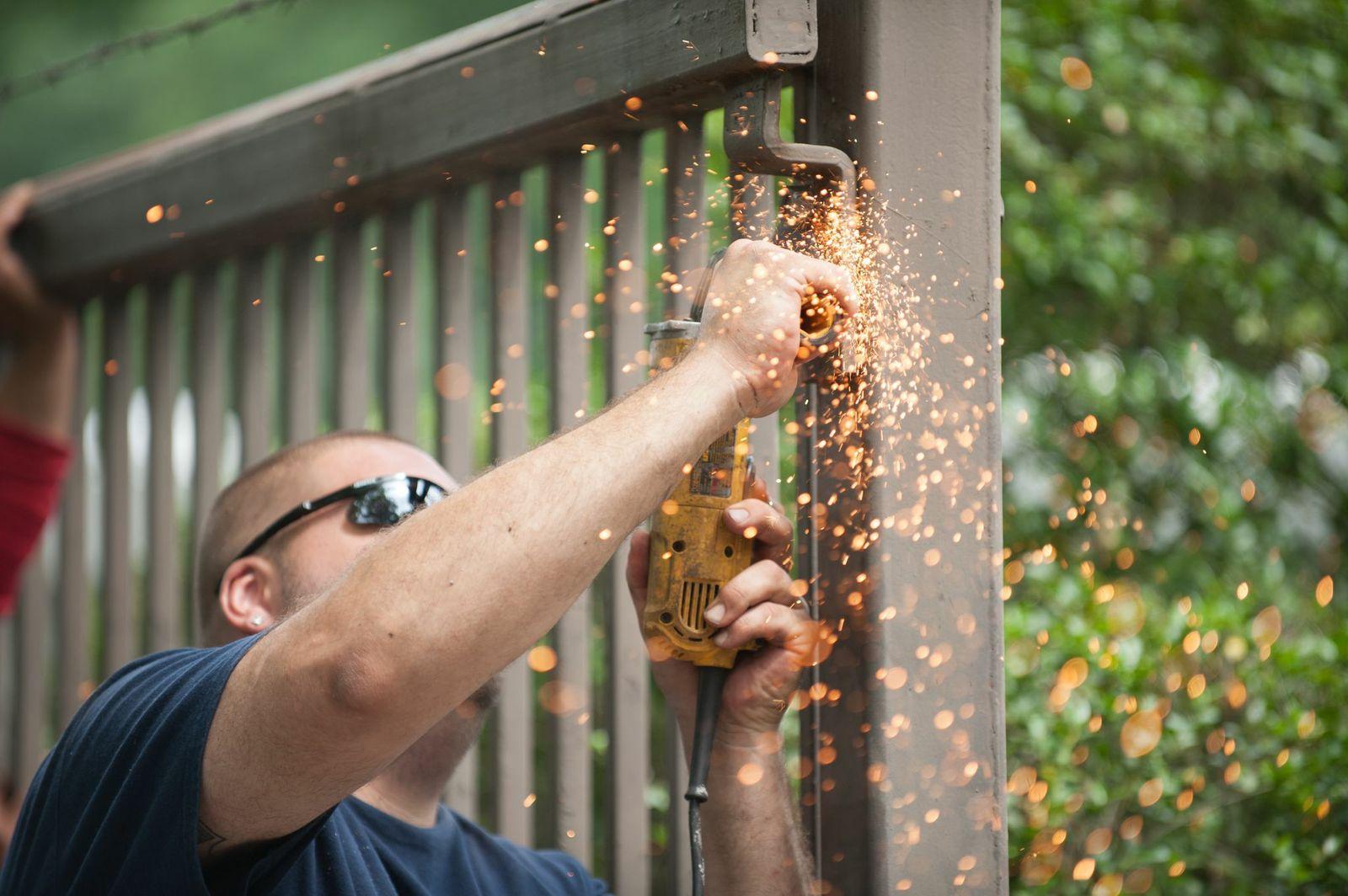 Driveway-gate-installation-and-repair