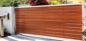 Modern+gate+-+horizontal+redwood