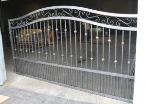 iron-driveway-gate