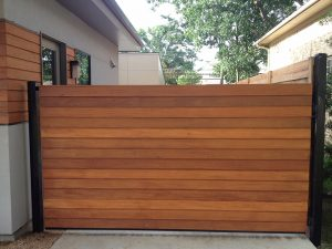 automatic_gate_with_cedar_wood