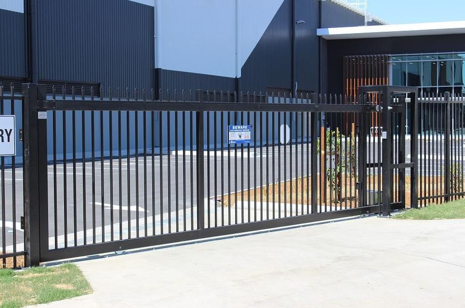 commercial_sliding_gate_oakland_CA