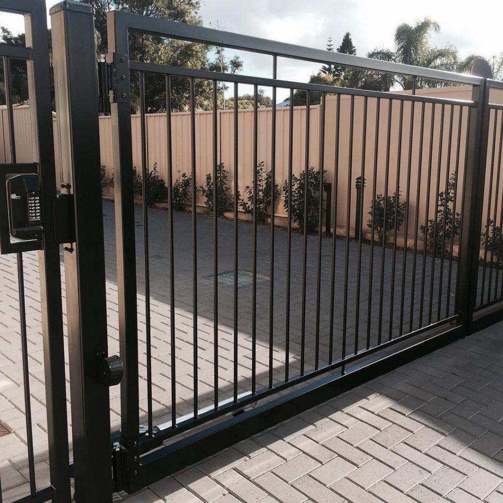 dual swing gate