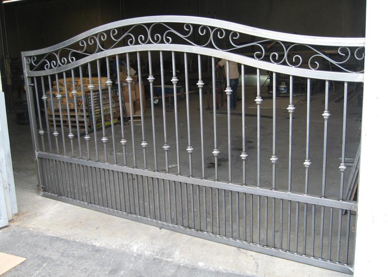 ornamental_driveway_gate-curved